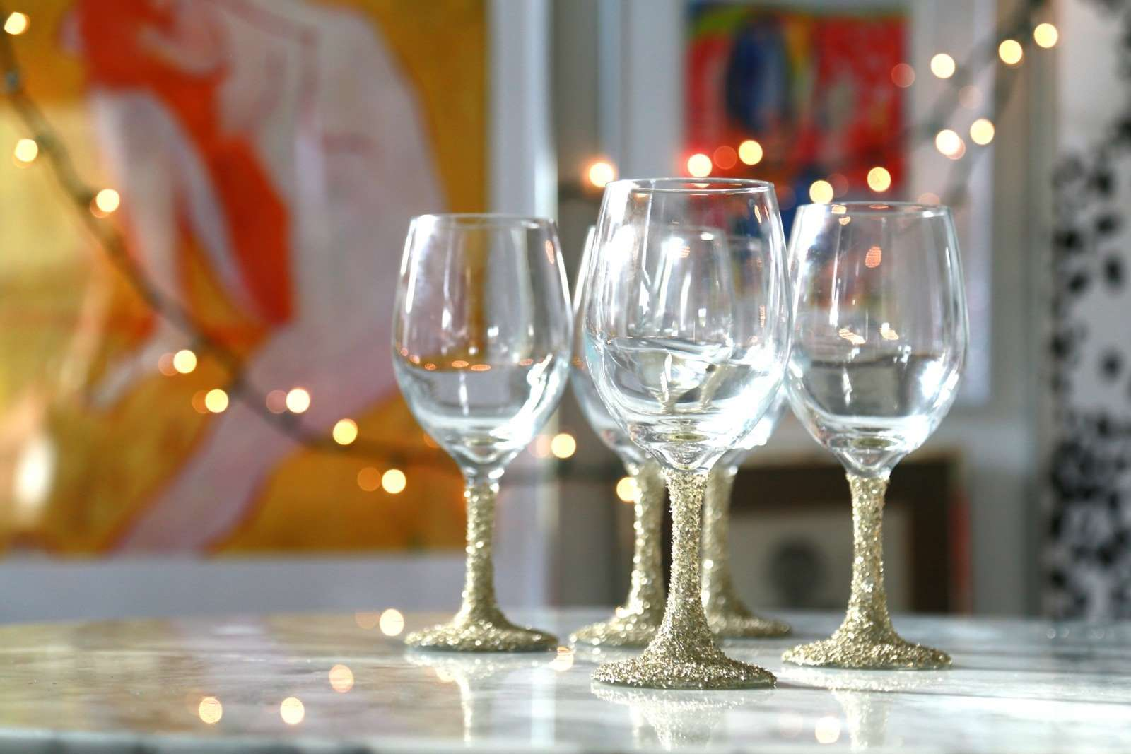 Picture of Glittered Wine Glasses