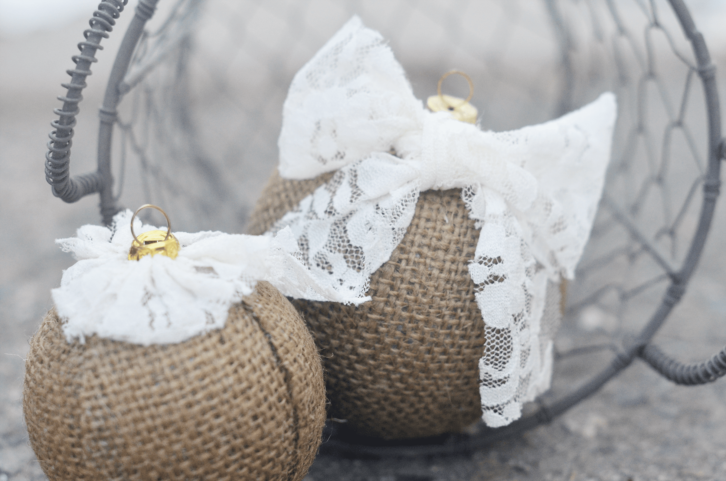 Picture of DIY Burlap Ornaments
