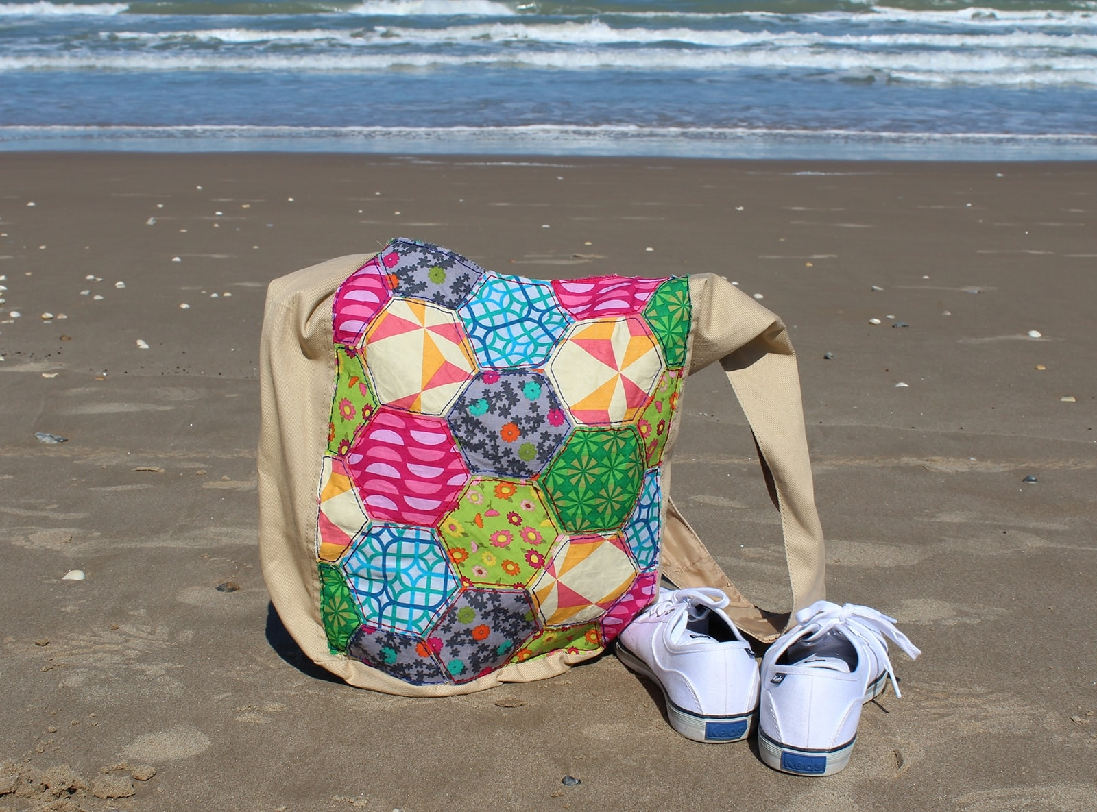 Picture of Faux Hexagon Quilt Hobo Bag