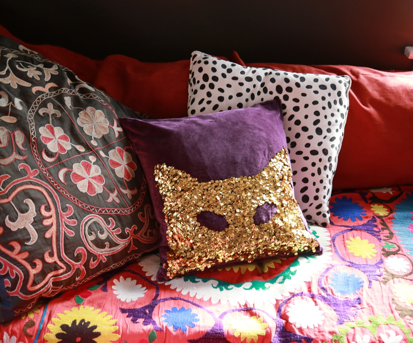 Picture of DIY No-Sew Sequin Pillow