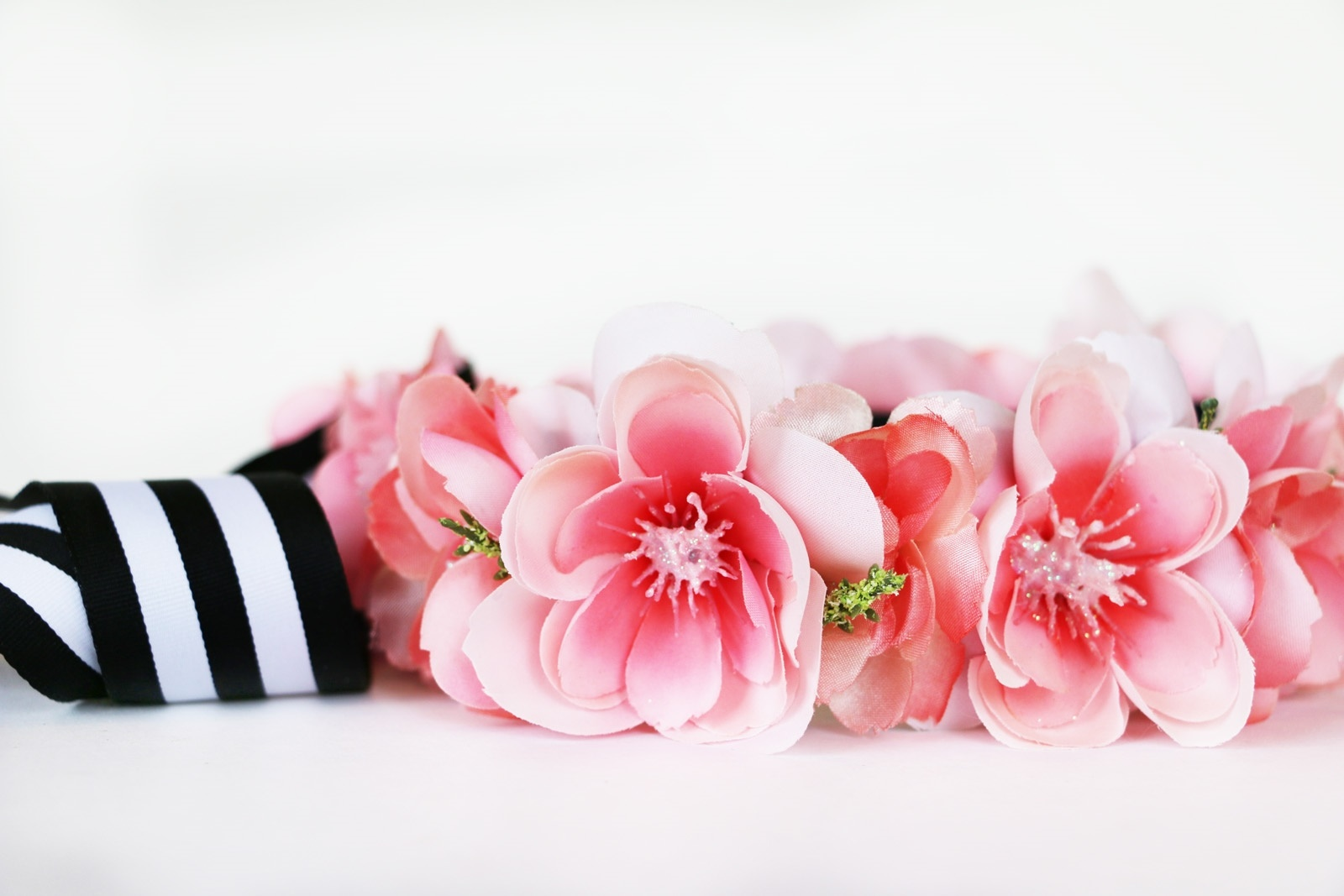 Picture of How to Glue Flowers to Ribbon : Simple Flower Crown