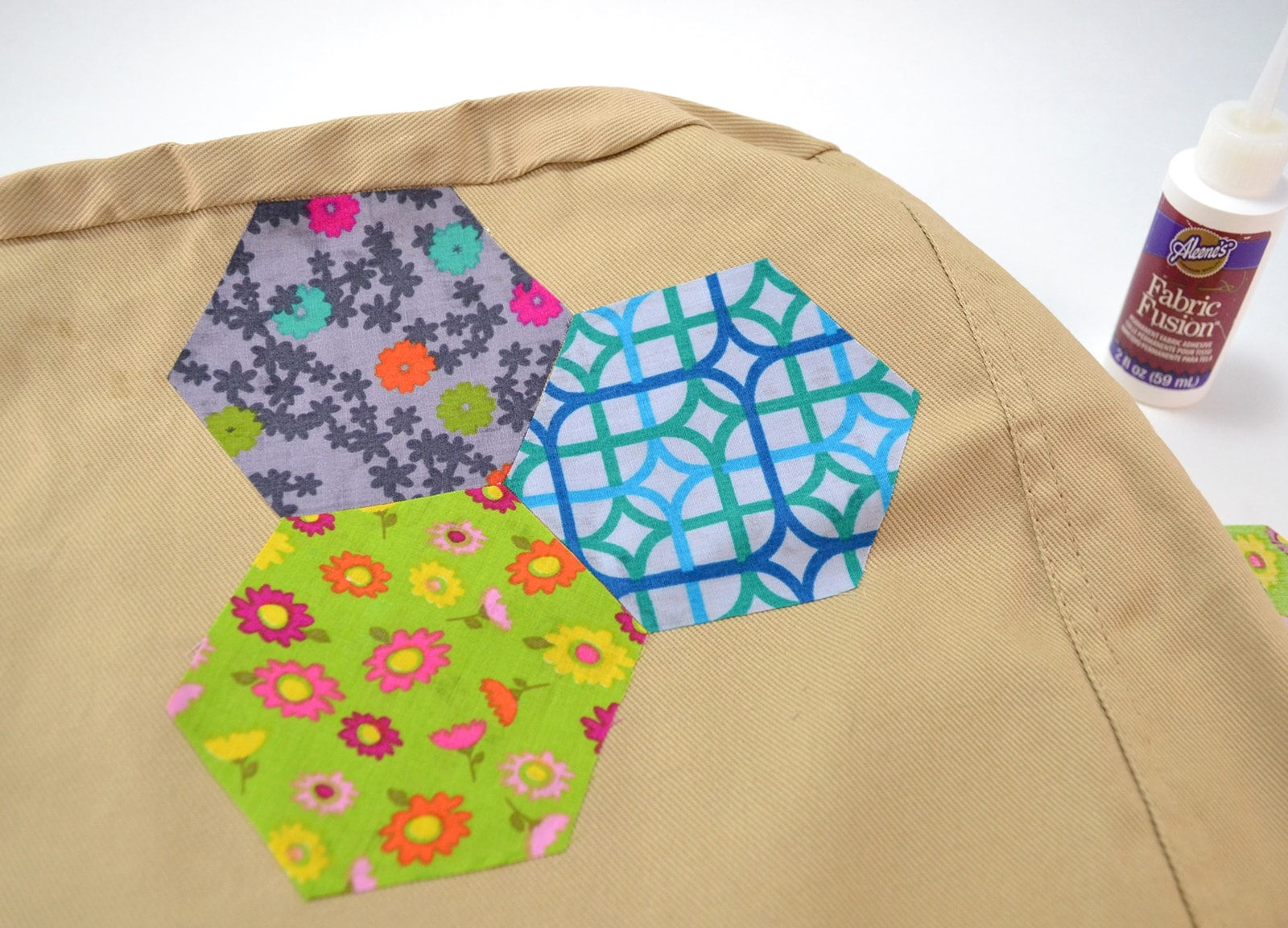 Picture of Faux Hexagon Quilt Hobo Bag Tutorial