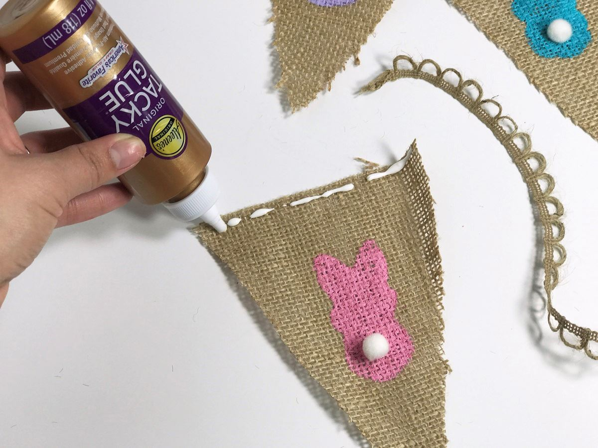 Picture of Burlap Easter Bunny Pennant