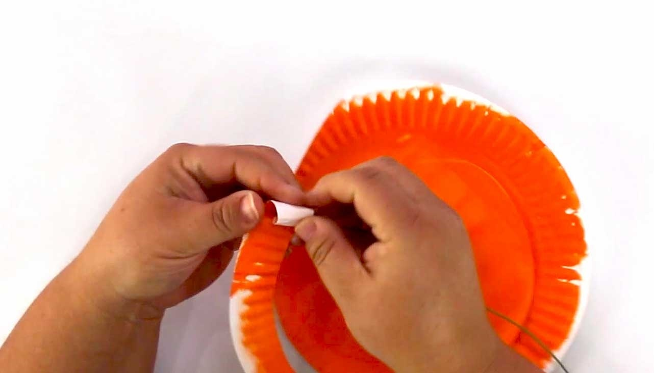 Paper Plate Flowers for Kids Step 7