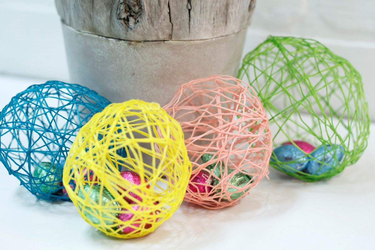 Picture of String Easter Eggs