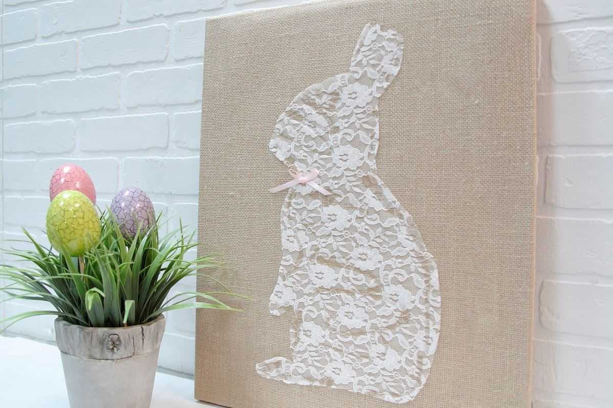 Picture of Lace Bunny Canvas