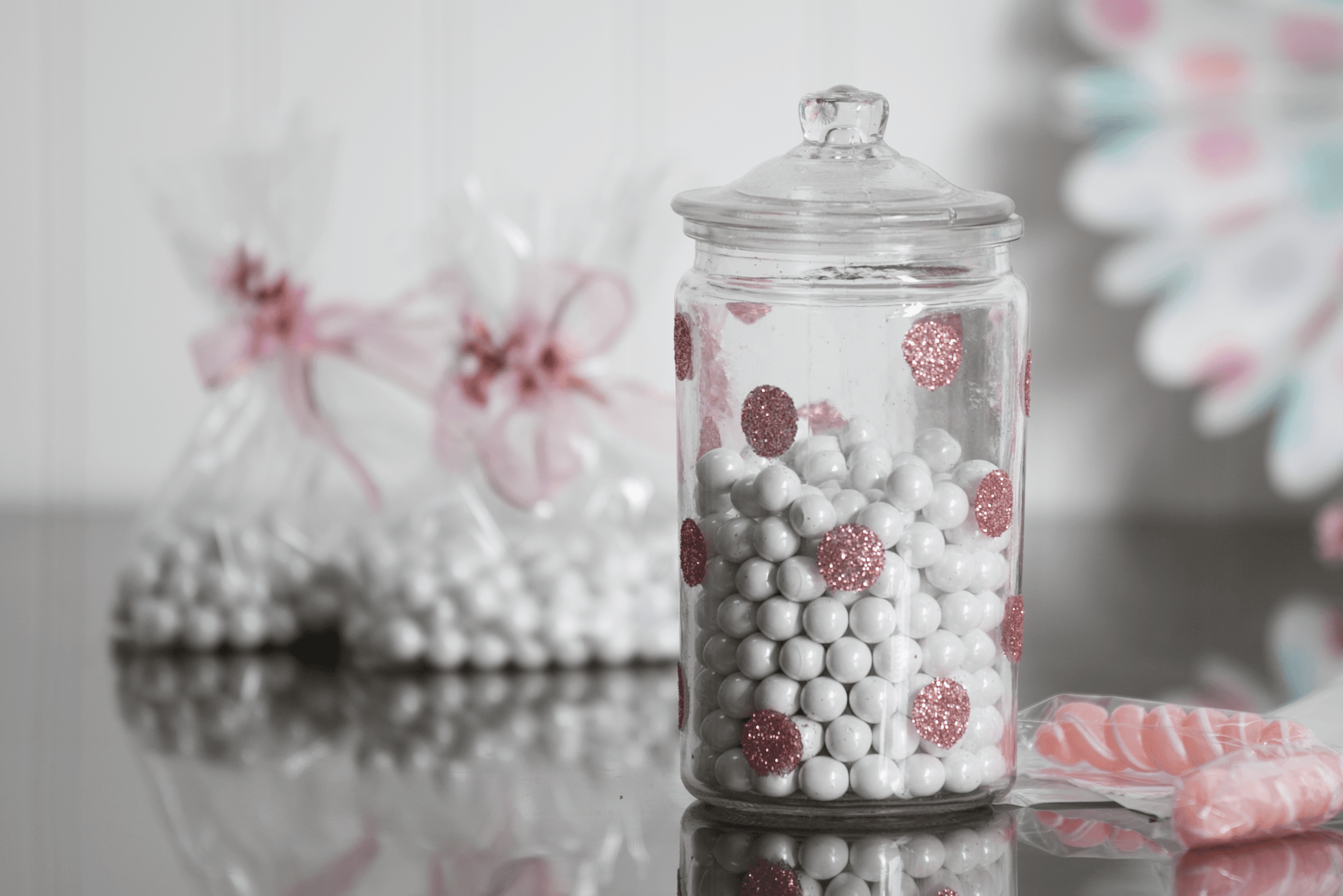 Picture of How to Glue Glitter to Glass: Pretty Polka Dot Jar