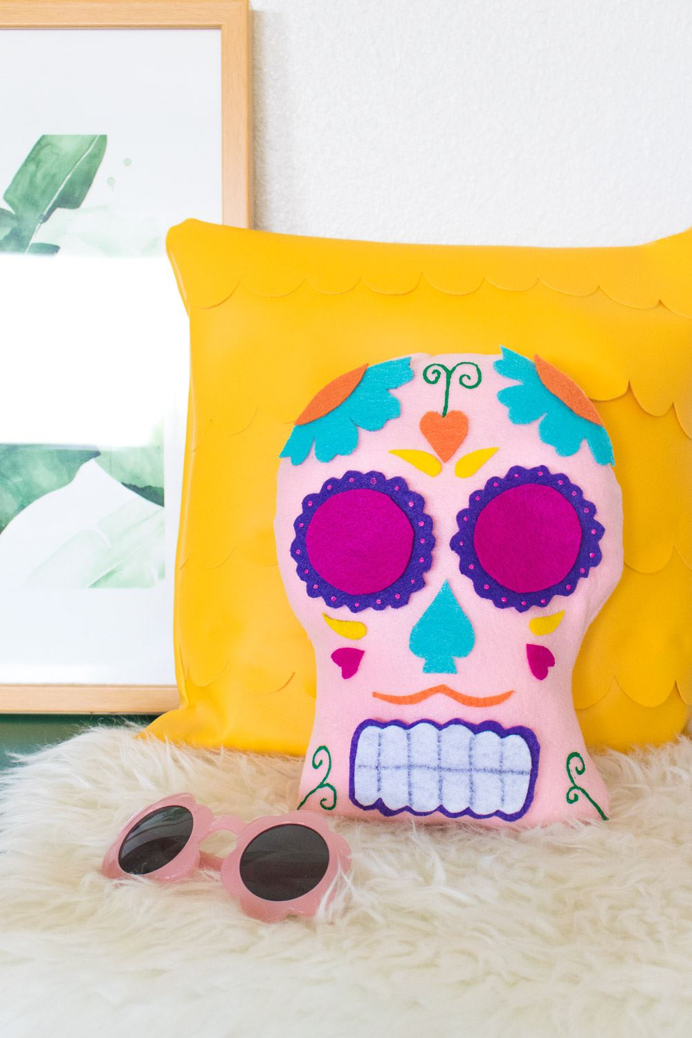 Picture Of DIY Sugar Skull Pillow For Día De Los Muertos