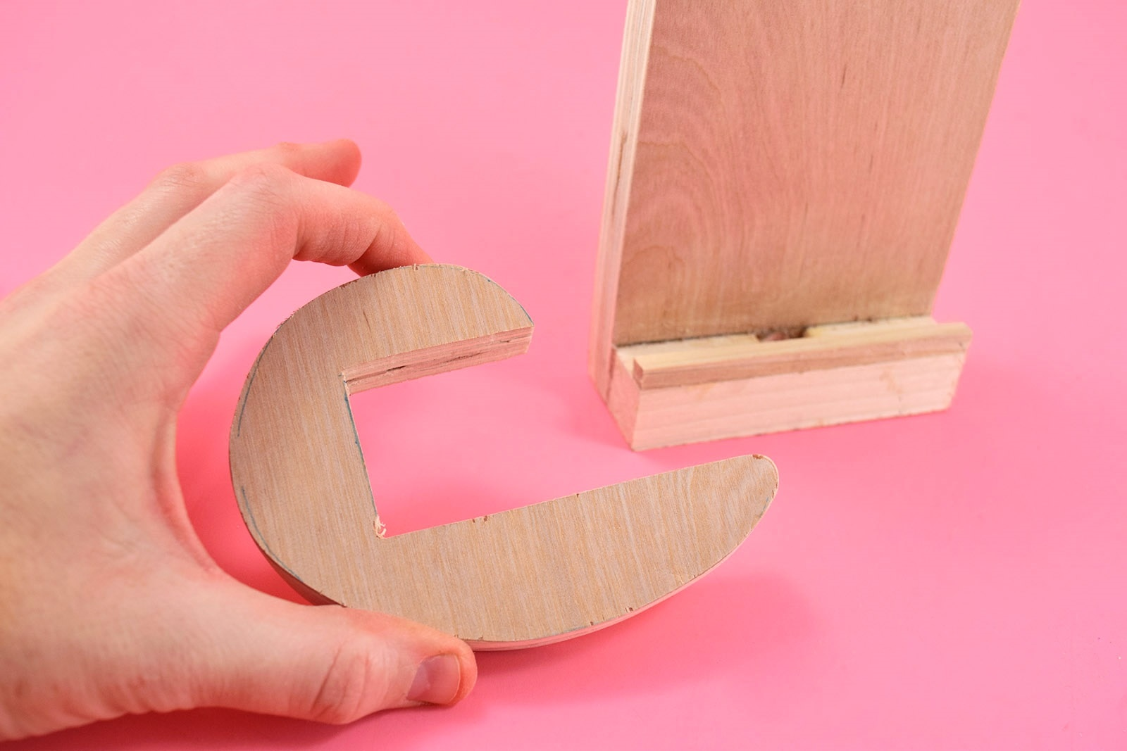 DIY Cat Shaped Smart Phone Holder from Wood Step 14