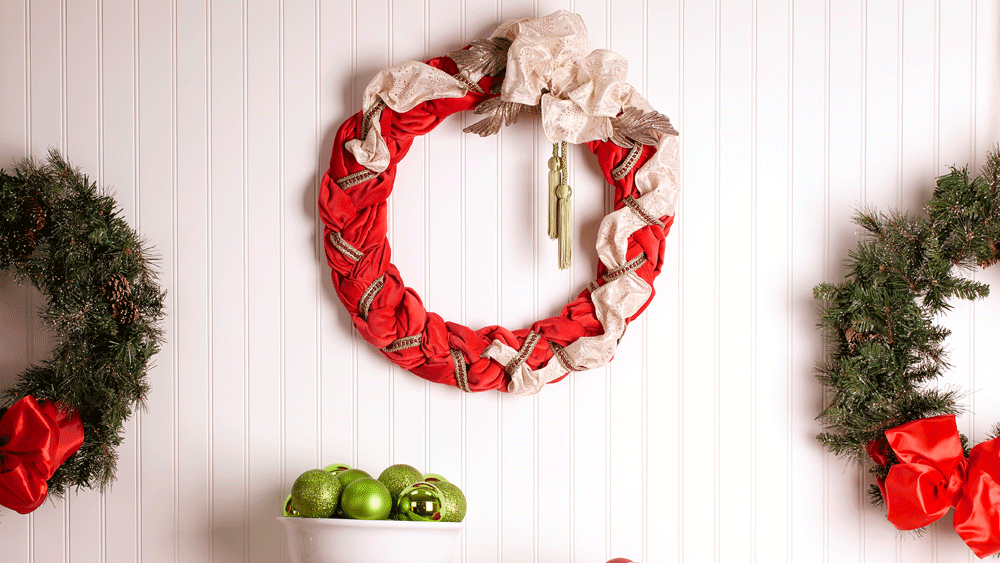 Picture of DIY Red Velvet Wreath