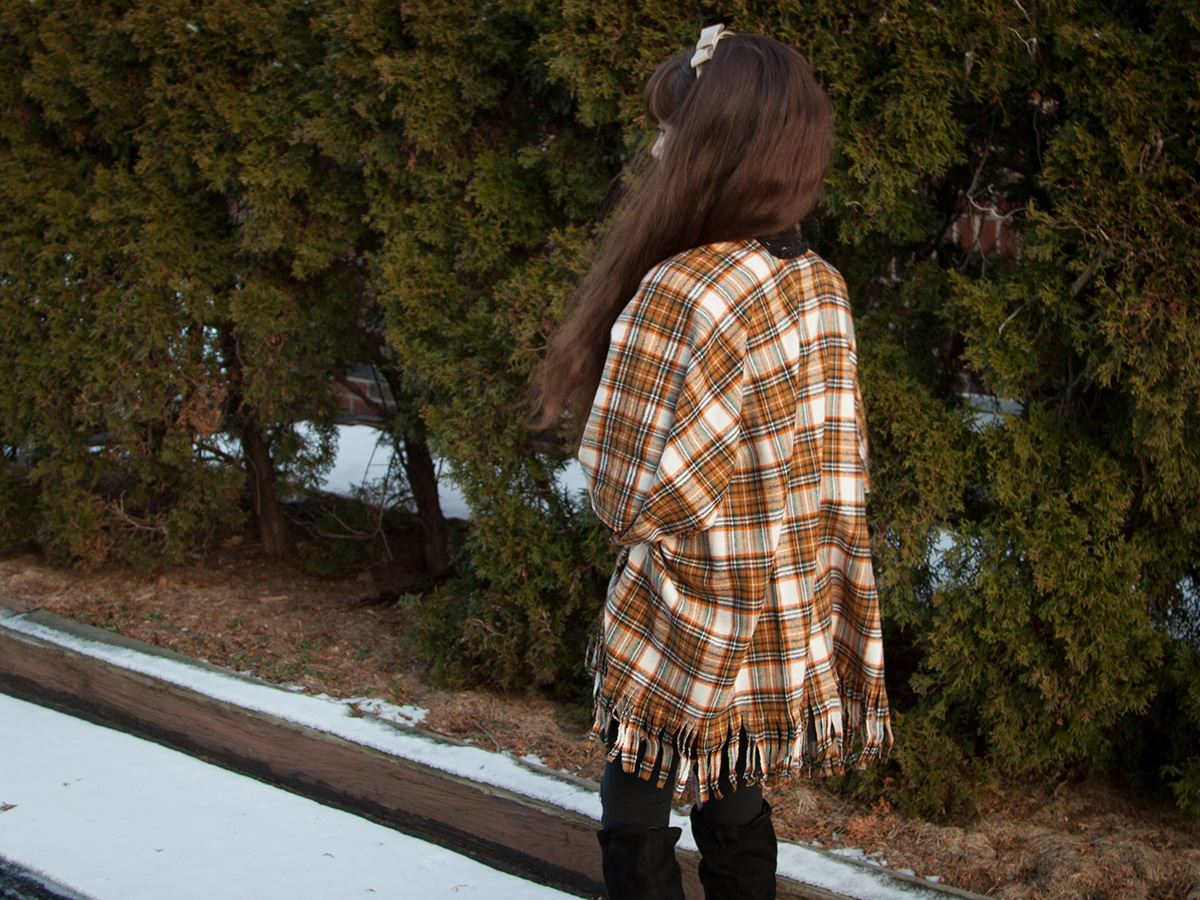 Picture of DIY Poncho with Aleene's Fabric Fusion