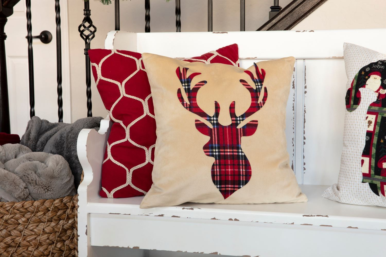 DIY No-Sew Christmas Pillows