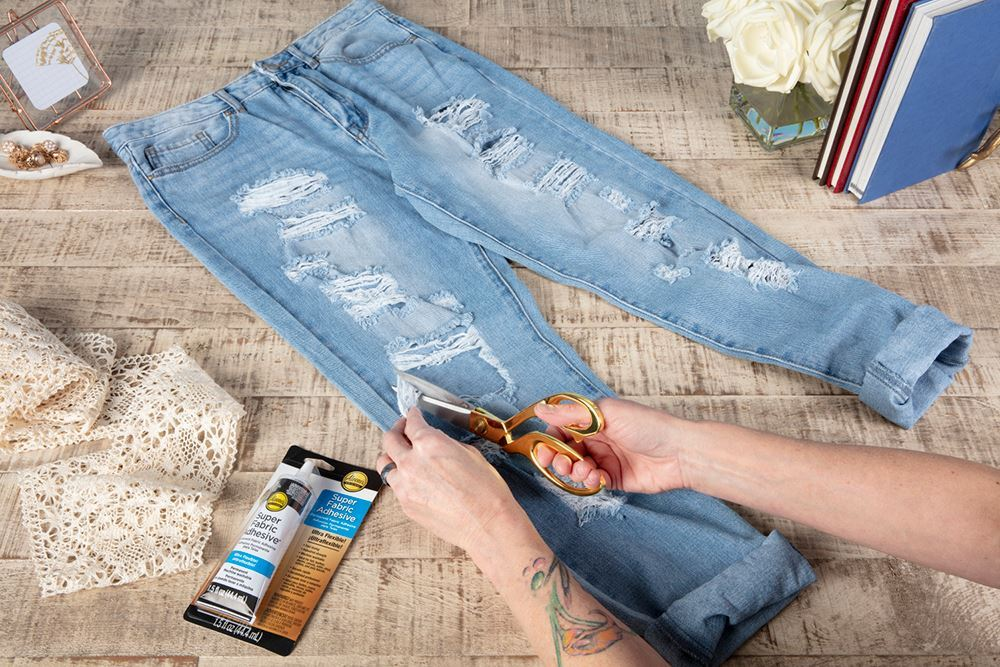 Aleene's Lace Jeans DIY - trim fringe