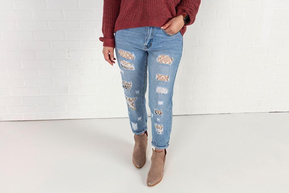Aleene's Lace Jeans DIY
