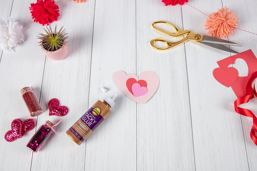 Aleene's Paper Heart Wreath - draw and cut out hearts