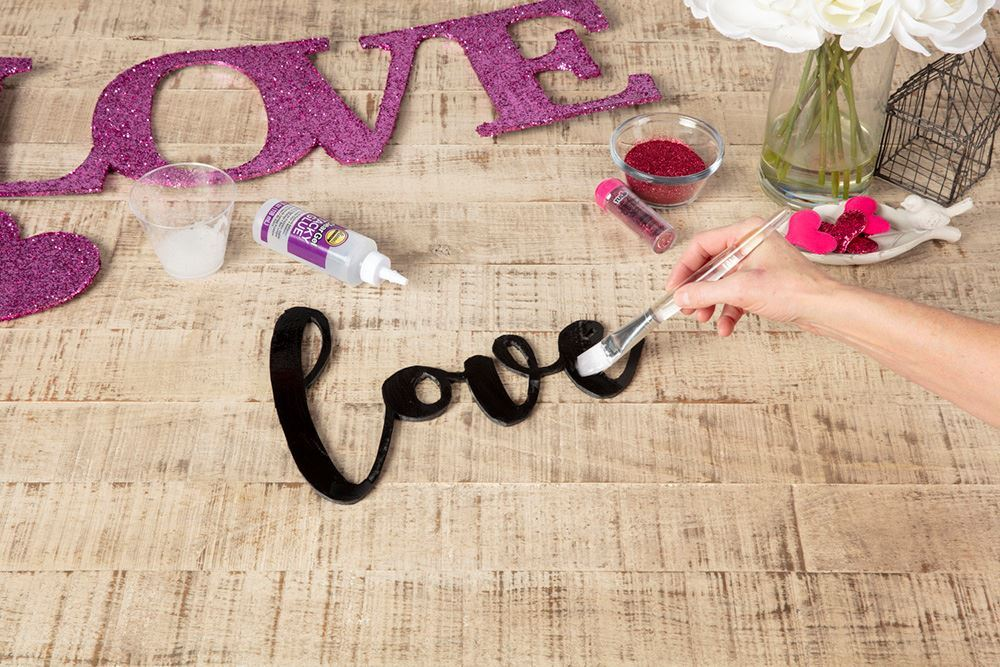 Aleene's Glitter Love Sign - brush on glue