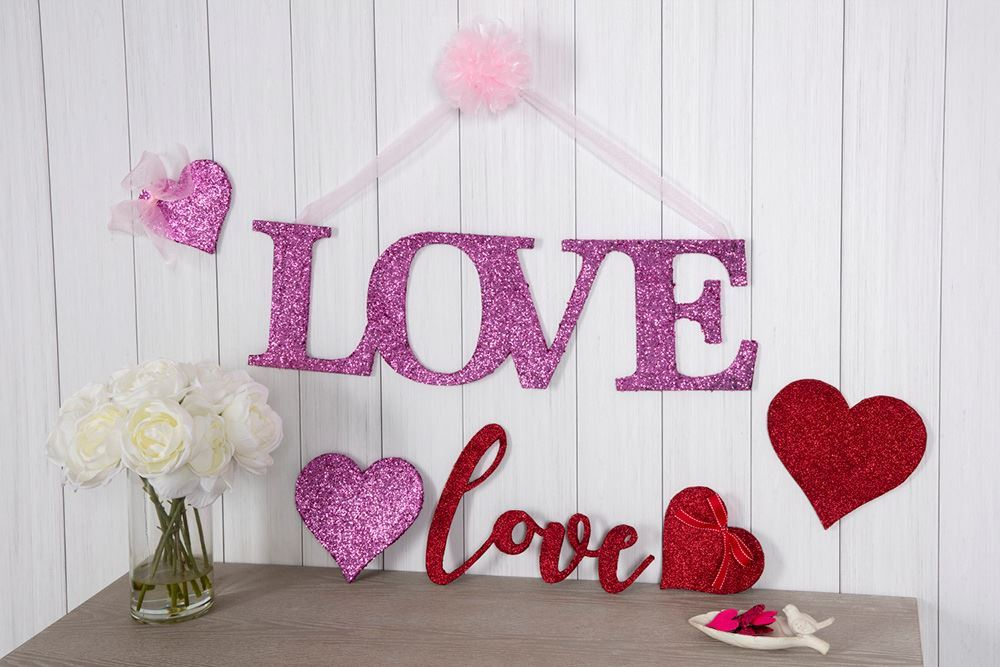 Aleene's Glitter Love Sign - hang and enjoy