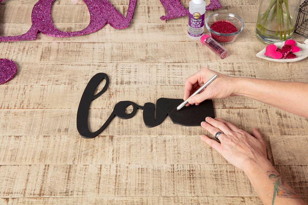 Aleene's Glitter Love Sign - cut out word