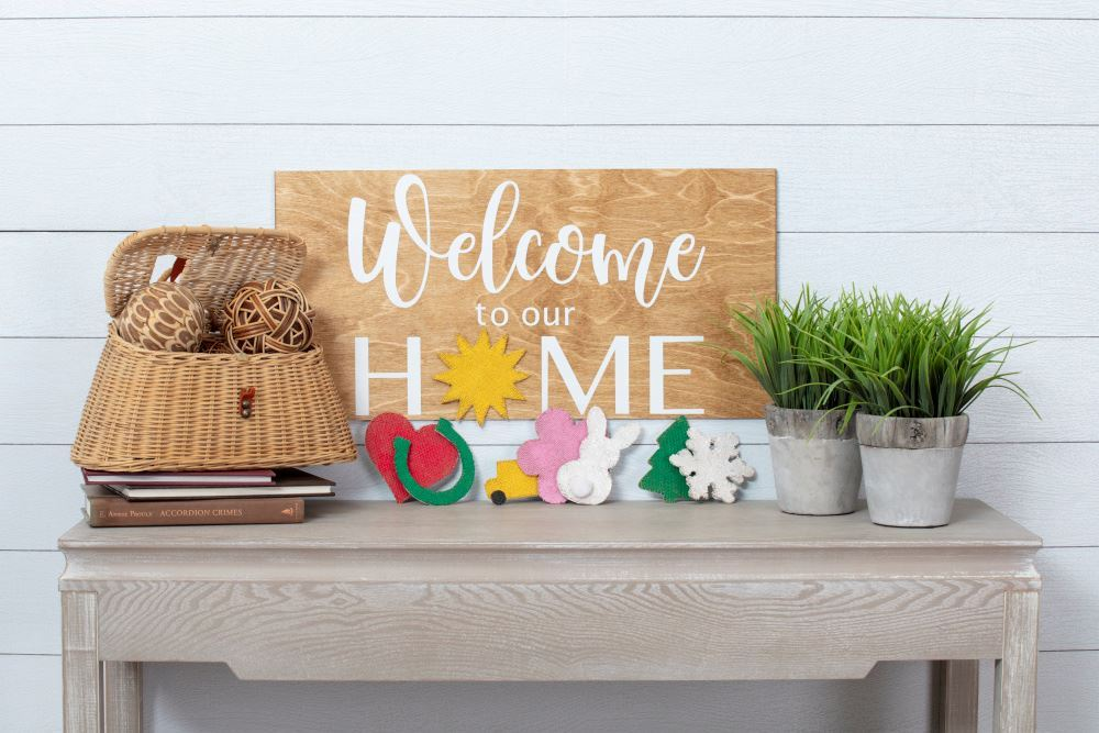 Picture of DIY Seasonal Welcome Sign
