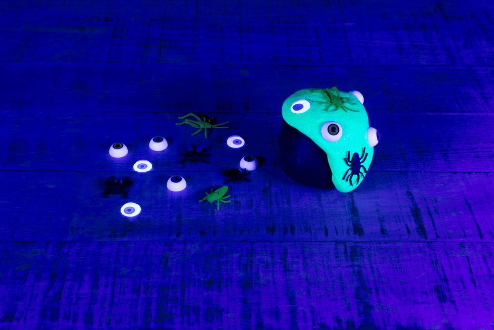 Aleene's Witches' Brew Glow Slime