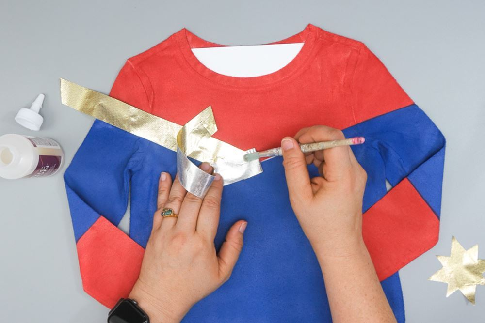 Aleene's No-Sew Captain Marvel Costume