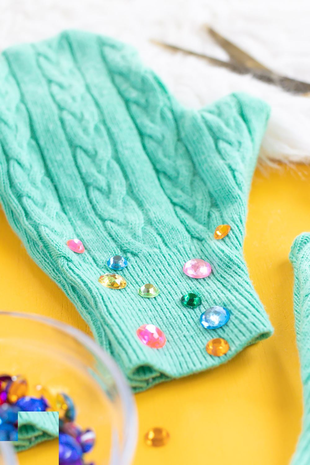 Aleene's Upcycle Your Sweater into No-Sew Mittens