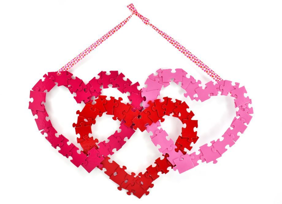 Picture of Easy Puzzle Heart Wreath