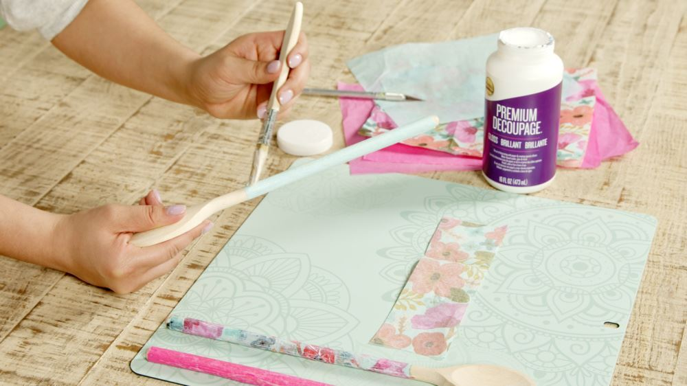 Aleene's How To Decoupage Kitchen Accessories - seal with more decoupage
