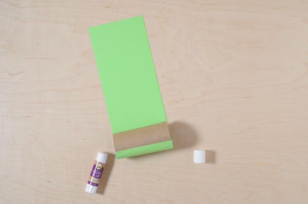 Aleene's Easy Paper Craft: Leprechaun Finder - glue paper to tube
