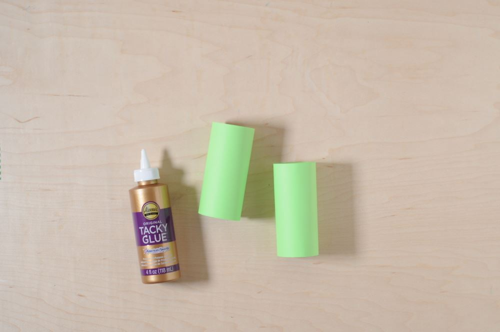 Aleene's Easy Paper Craft: Leprechaun Finder - repeat for second tube