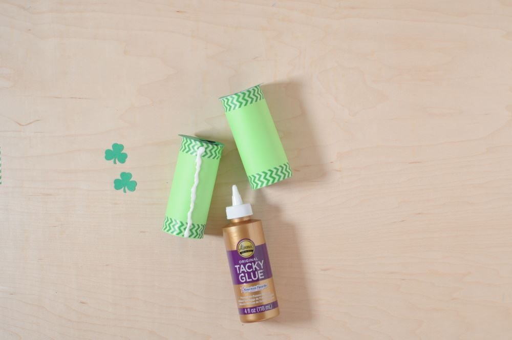 Aleene's Easy Paper Craft: Leprechaun Finder - glue tubes together