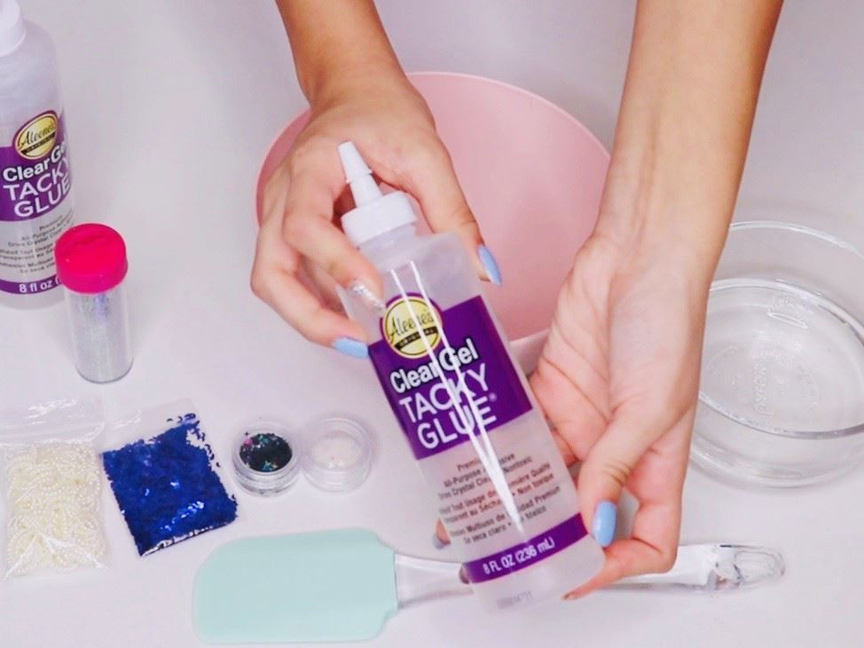 Mix Clear Gel Tacky and baking soda