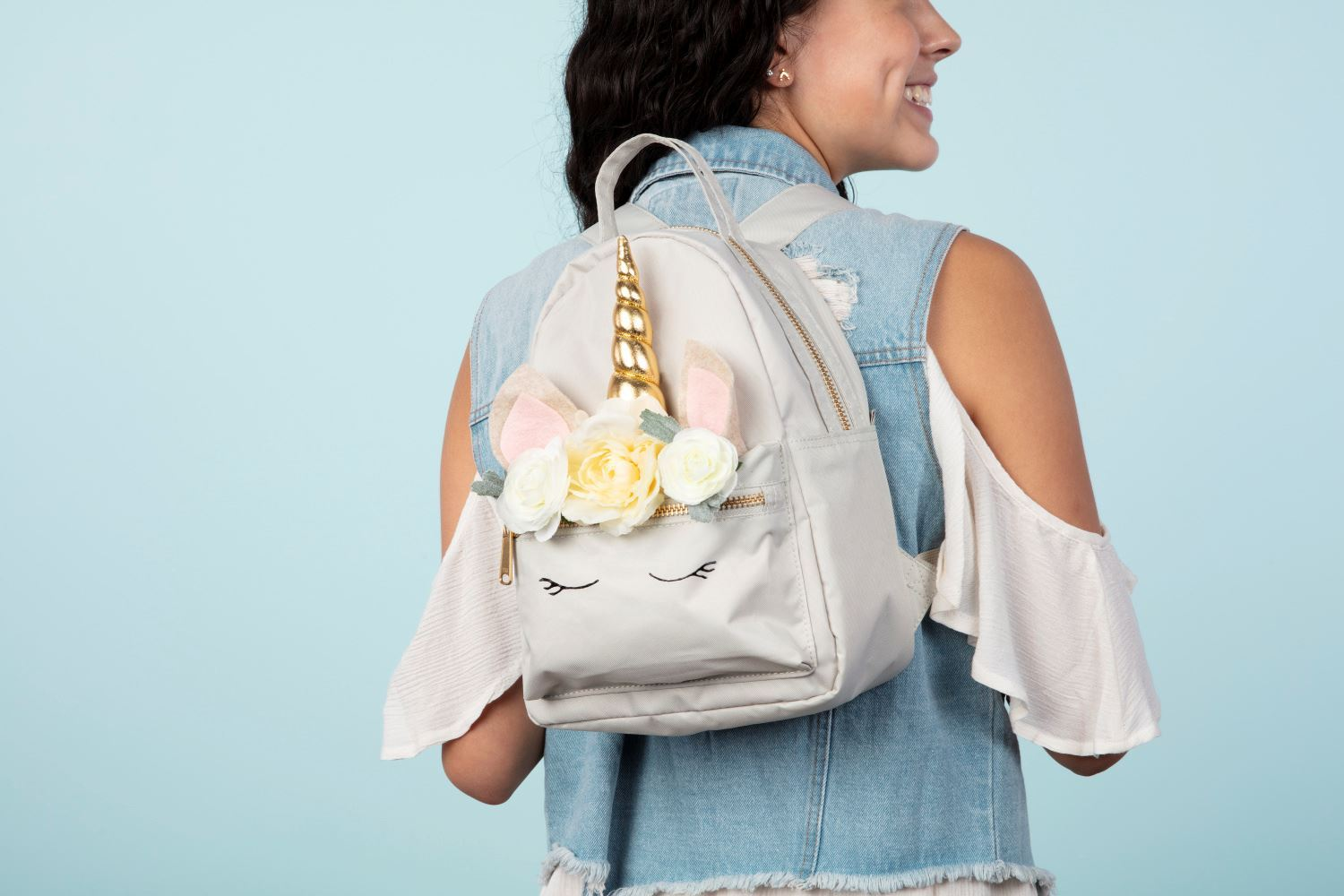 Create a unicorn backpack with Aleene's Quick Dry Fabric Fusion