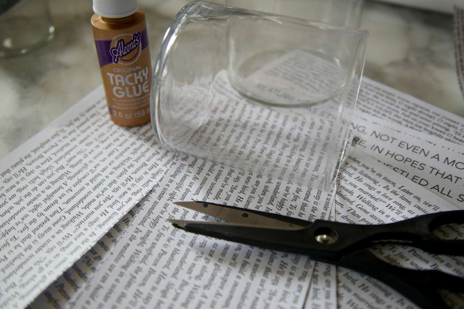 How to glue glass to paper