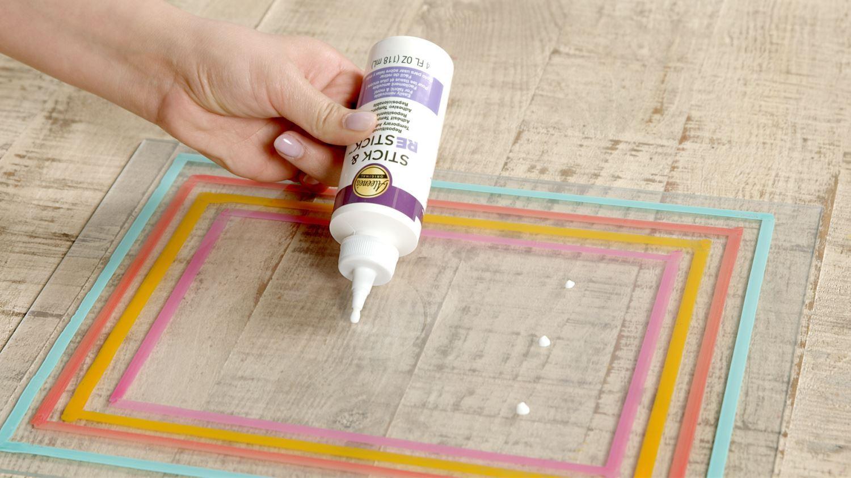 How to glue glass temporarily