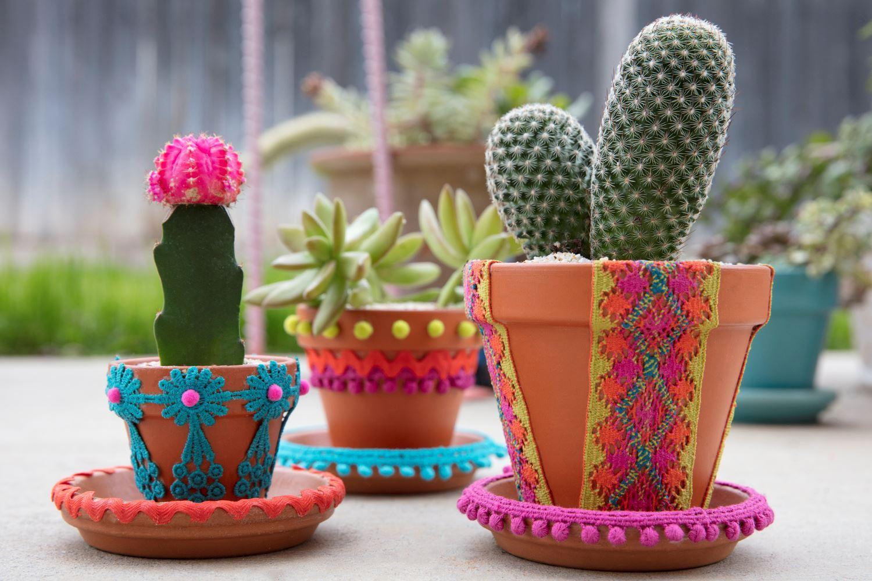 How to glue ceramics to fabric