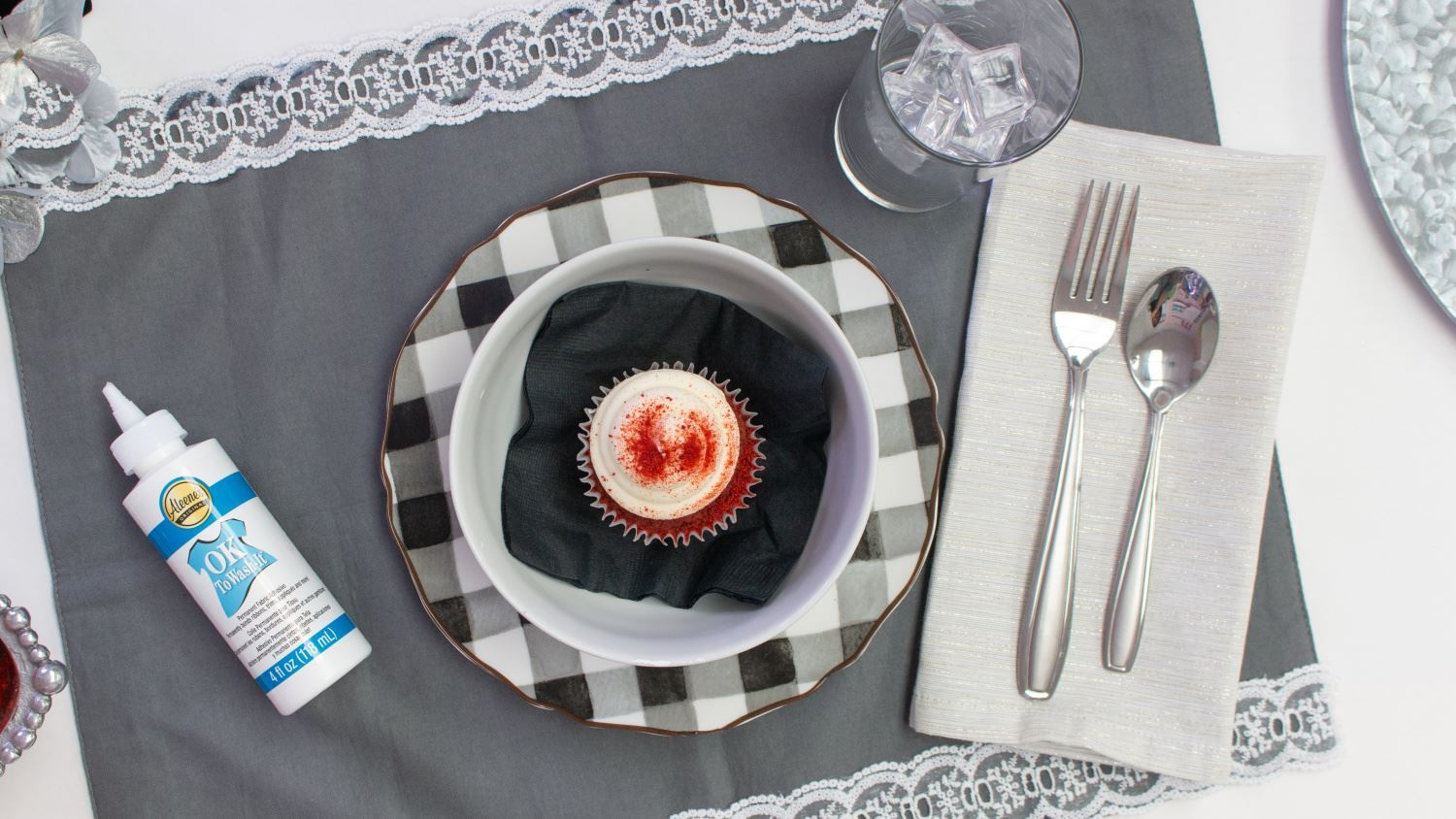 Upcycled Placemats with Lace
