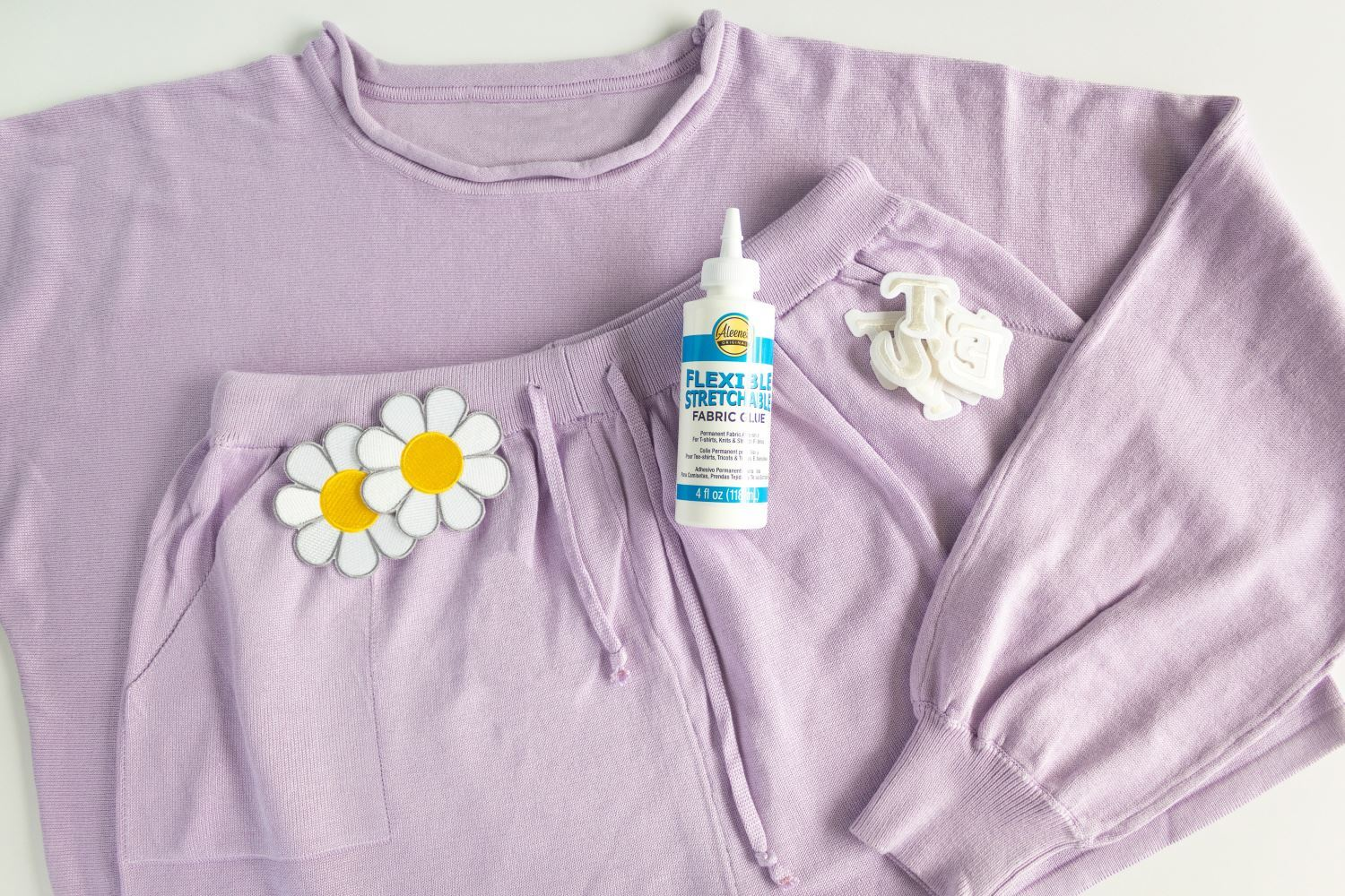 How to glue patches on loungewear