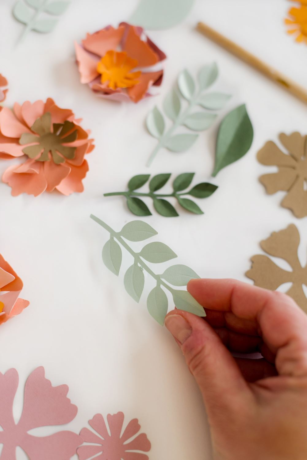 Crease and fold edges of leaves
