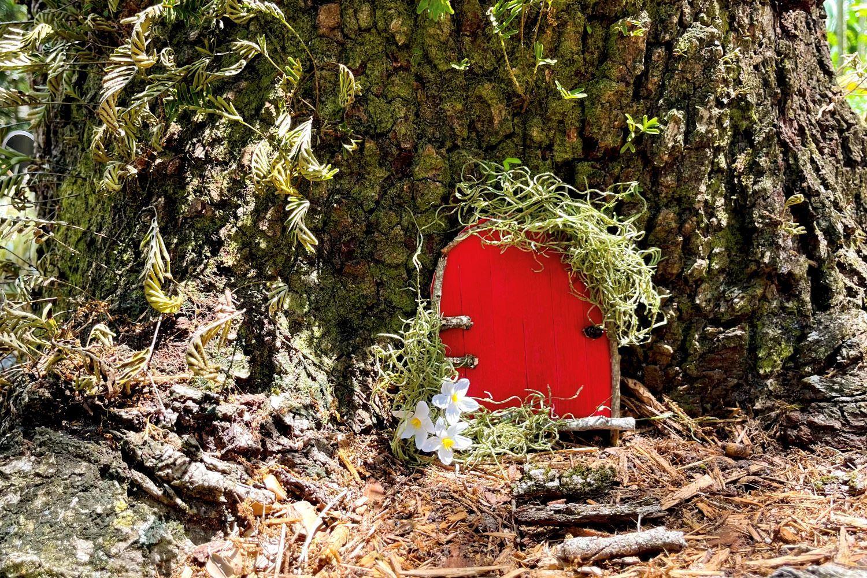 DIY Fairy Door with Wood Glue