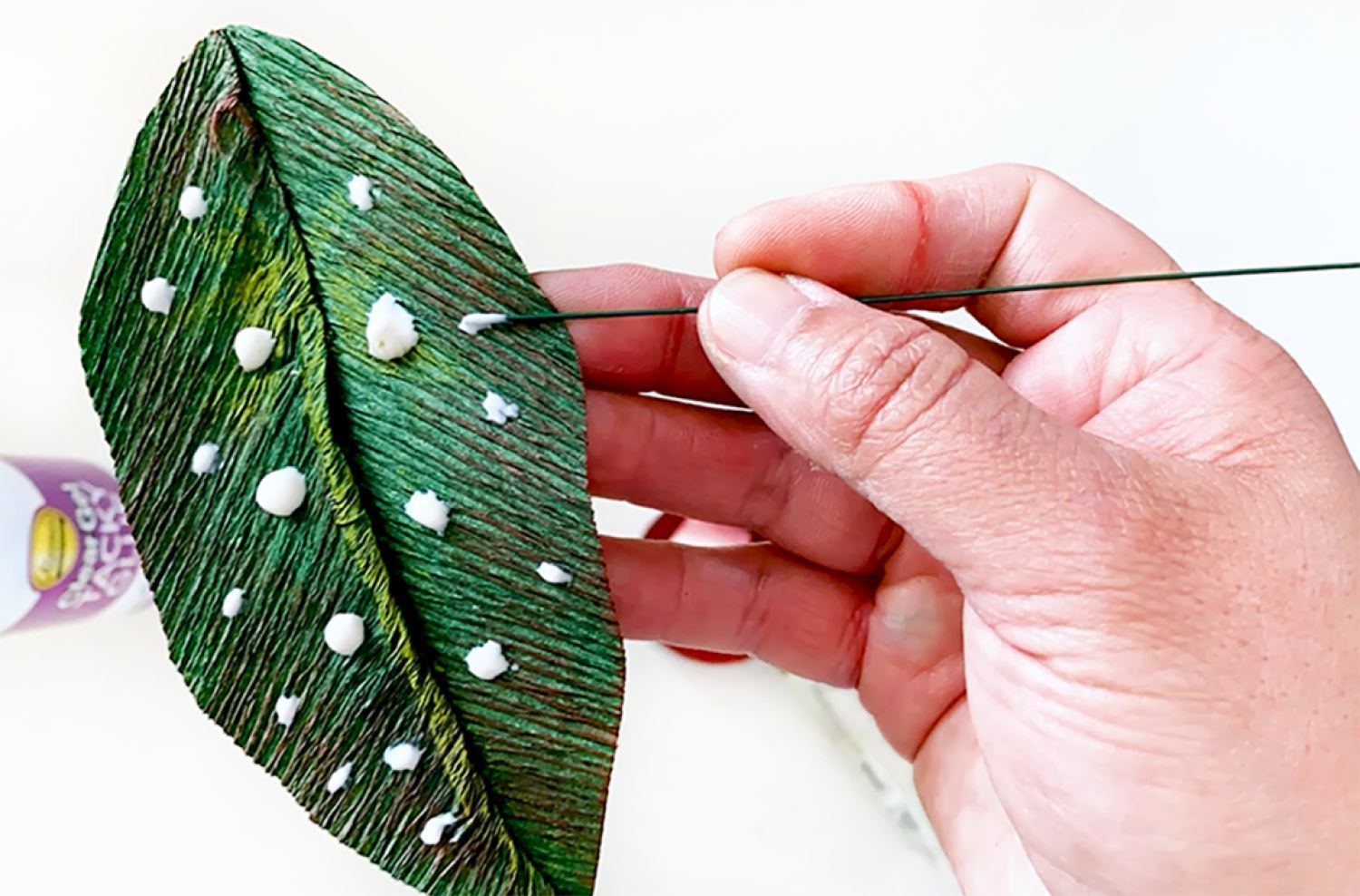 Add paint dots to leaves