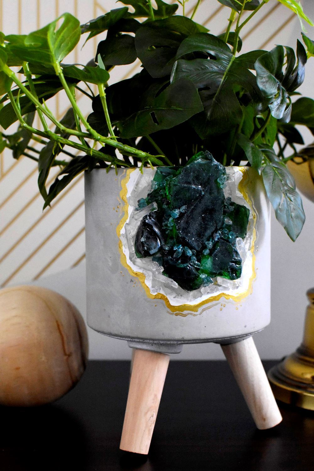 Add a plant to your geode pot
