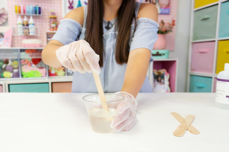 Pour each into one cup, stir for 5 minutes until no bubbles