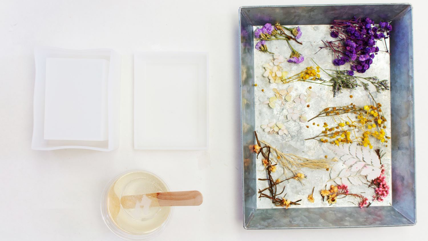 Pour some resin into jewelry box lid mold