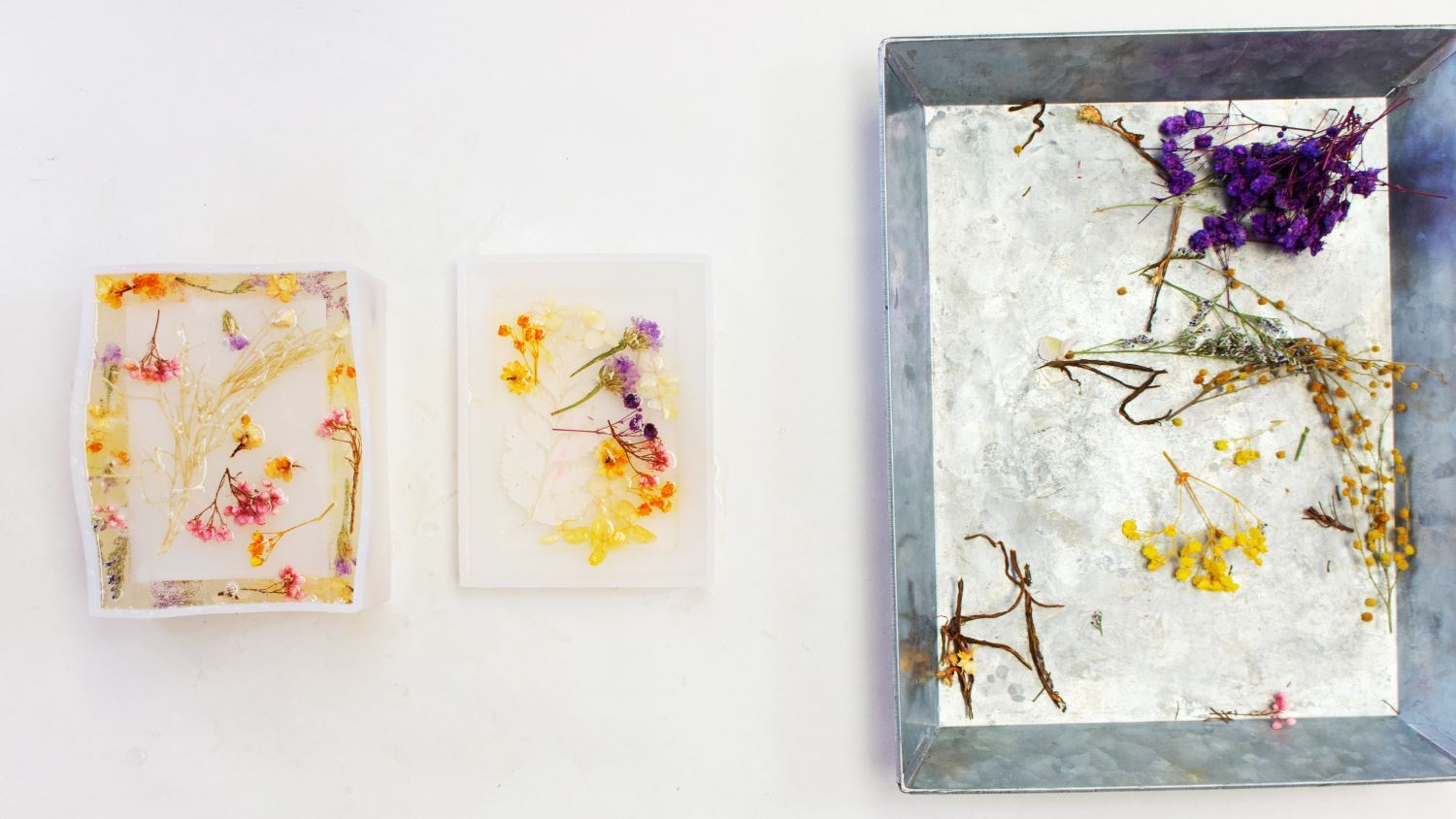 Fill box mold with resin epoxy and flowers