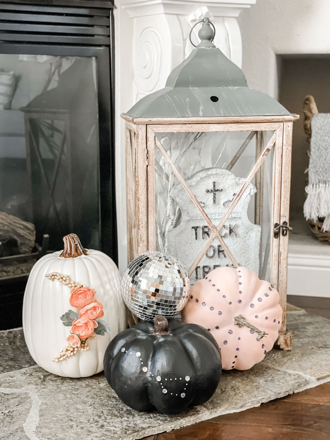 Glam up your other Halloween décor